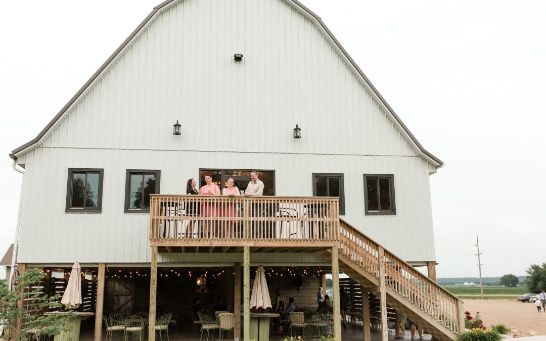 The Advantages of Using a Locally Owned Wedding Venue